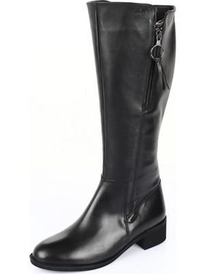 Gönderi® Hakiki Deri Yuvarlak Burun Kauçuk Taban Topuklu Fermuarlı Tokalı Kadın Günlük Çizme 46518