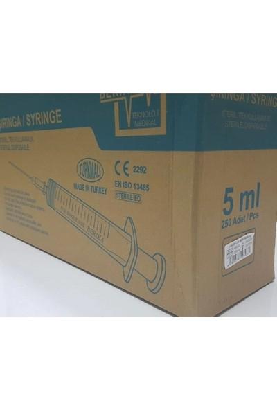 Berika Üç Parça Yeşil Kısa Uçlu Steril Enjektör 250 Adet 05 cc