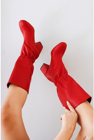 Limoya Kenley Kırmızı Ortadan Lastikli Topuklu Çizme