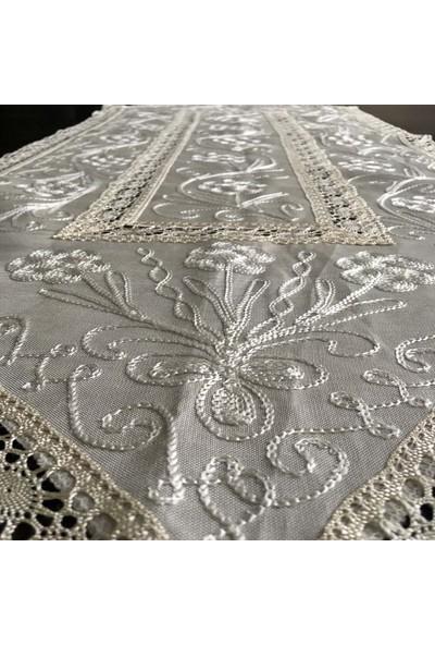 Yavuz Tekstil Çeyizlik Ipek Dokuma Dantelli Üçgen Şemen Masa Örtüsü