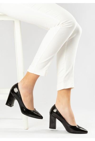 Marine Shoes Kadın Siyah Suni Deri Topuklu Ayakkabı