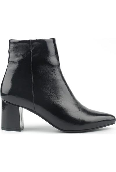 Marine Shoes Kadın Siyah Rugan Topuklu Ayakkabı