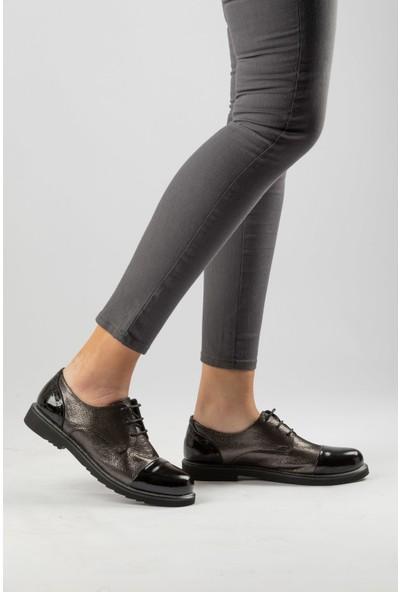 Marine Shoes Kadın Platin-Siyah Rugan Deri Ayakkabı