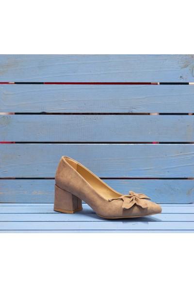 Papuç Çiçek Fiyonklu Bej Süet Topuklu Ayakkabı