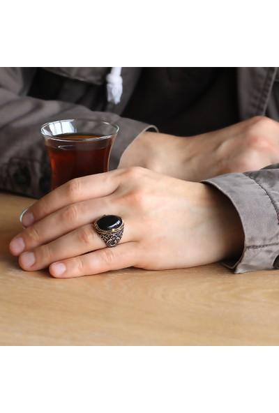 Ergenekon Aksesuar Vav Işlemeli Siyah Oniks Taşlı 925 Ayar Gümüş Erkek Yüzük