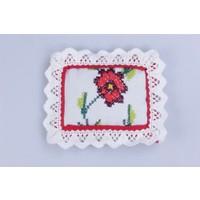 Miss Gaya Lavanta Kese Ekru Kırmızı Çerçeveli Kırmızı Çiçek Kanaviçe İşlemeli 9X10Cm