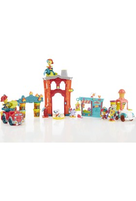 Play-Doh Town İtfaiye İstasyonu