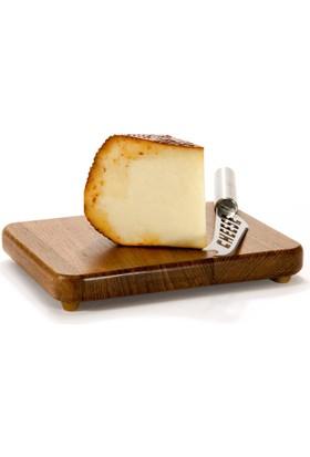 Kesebir Mandırası İsli Sepet Peyniri 500 Gr