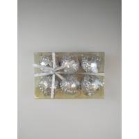 Cakes Party Yılbaşı Desenli Cici Top Süsleri Gümüş 8 cm 6 Lı