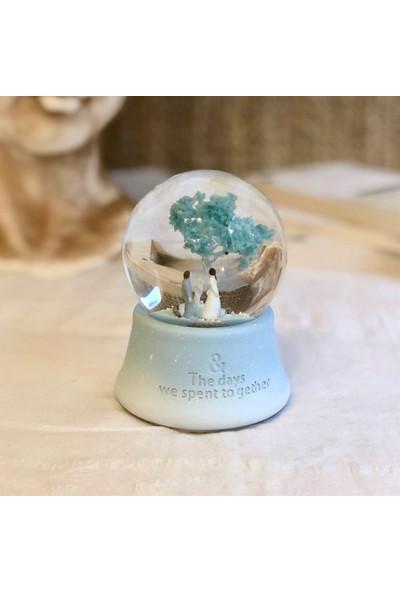 Modaincisi Dilek Ağacı Altında Mutlu Sevgili Işıklı Müzikli Kar Küre