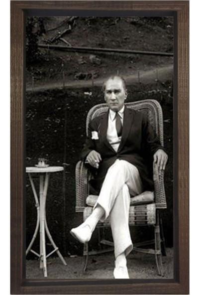 Deniz Çerçeve Atatürk Sigara İçerken Tablosu Kahverengi Ahşap Çerçeve