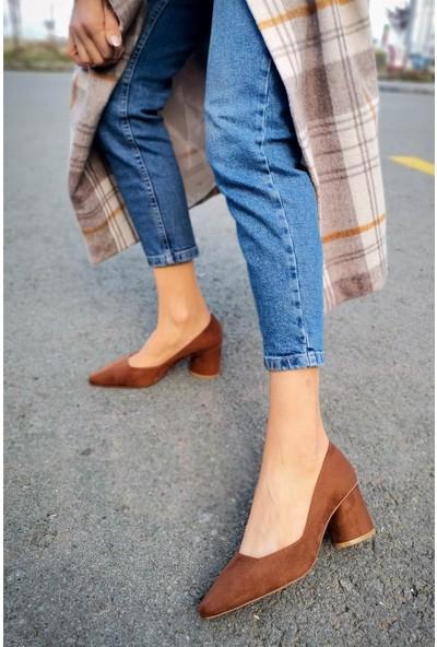 Eliza Süet Kare Kesim Taba Topuklu Ayakkabı