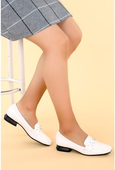 Ayakland N0670-15 Kırık Rugan Taşlı Kadın Ayakkabı Beyaz