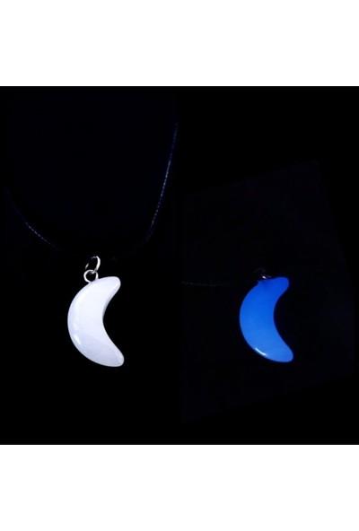 Alp Collection Fosforlu Neon Karanlıkta Parlayan Mavi Ay Suni Deri Ipli Kolye