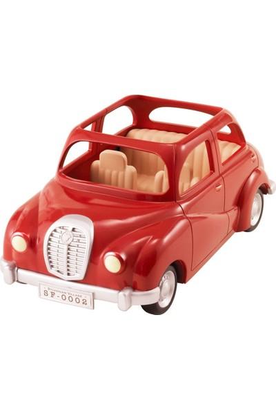 Sylvanian Families Kırmızı Aile Arabası