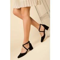 Merve Baş Kalın Topuklu Çapraz Siyah Süet Klasik Topuklu Ayakkabı