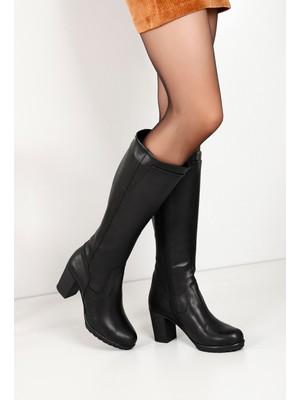 Gönderi® Yuvarlak Burun Kauçuk Taban Topuklu Fermuarlı Kadın Günlük Çizme 20536