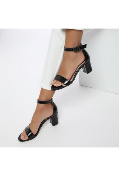 Butigo S1100-19İy Siyah Kadın Sandalet