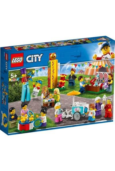 LEGO City Town Insan Paketi - Lunapark 60234