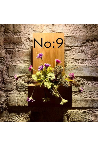 Msagwoods No:9 Kapı Önü Ahşap Kapı Numaralığı-Çiçeklik-Duvar -Kapı Isimliği