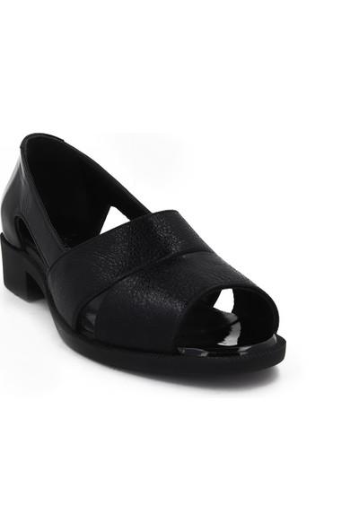 Iloz Siyah Deri Yazlık Kadın Ayakkabı 111113