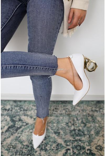 Limoya Elianna Beyaz Kırışık Rugan Stiletto ( Zincir Detaylı )