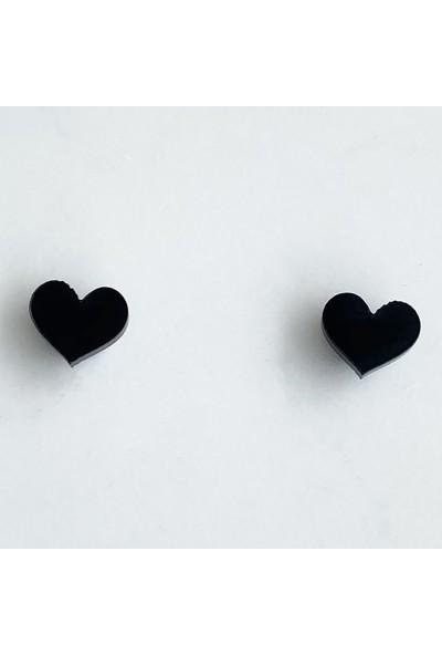 Takıştır Siyah Kalp Figürlü Mıknatıslı Küpe