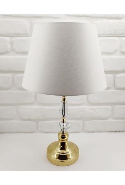 365gunserisonu Elmas Model Taşlı Gold Altın Renk Metal Ayaklı 30'luk Beyaz Şapkalı Abajur Masa Lambası