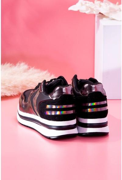 Tuğrul Ayakkabı Bağcıklı Yüksek Taban Siyah Bronz Kadın Sneaker