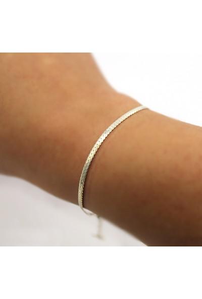 Alberaccessories 925 Ayar Gümüş Charm Detaylı Italyan Zincir Bileklik