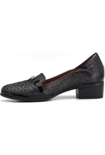 Messimod 4013 Kadın Deri Topuklu Ayakkabı