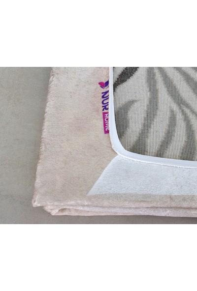 Nur Home Süngerli Kadife Lastikli Halı Örtüsü Nrh-39 Çakıltaşı Kelebekli