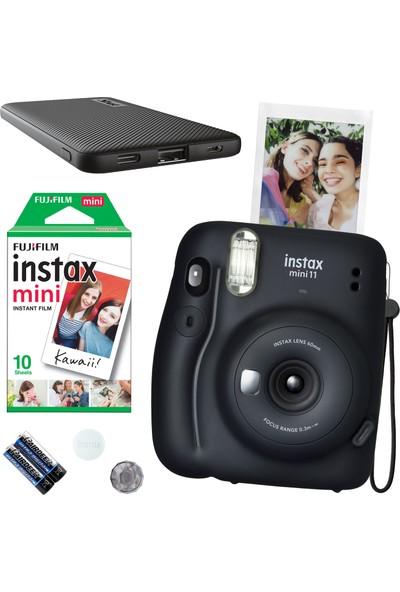 Fujifilm Instax Mini 11 Siyah Fotoğraf Makinesi 10'lu Film ve Siyah Powerbank