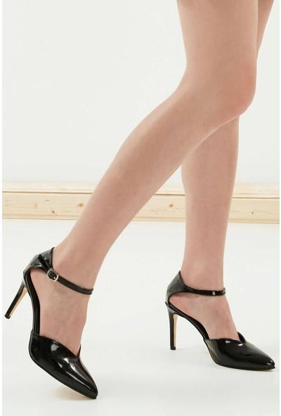 Mio Gusto Peggy Siyah Rugan Topuklu Ayakkabı