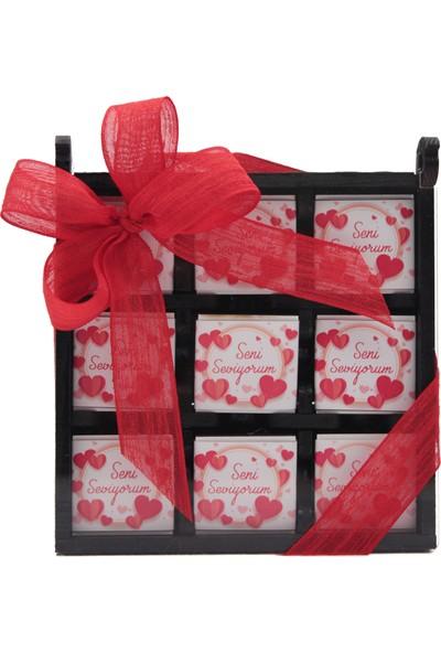 Sevgililer Günü Için Özel Içi Madlen Çikolata Dolu Süslü Ahşap Kutu