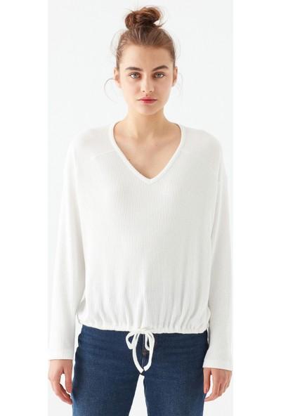Mavi Kadın Bağlama Detaylı Beyaz Tişört 1600539-33389
