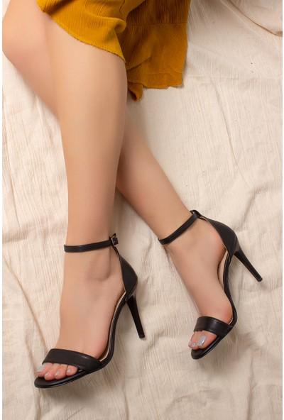 Daxtors D2525 Günlük Kadın Ince Topuklu Ayakkabı