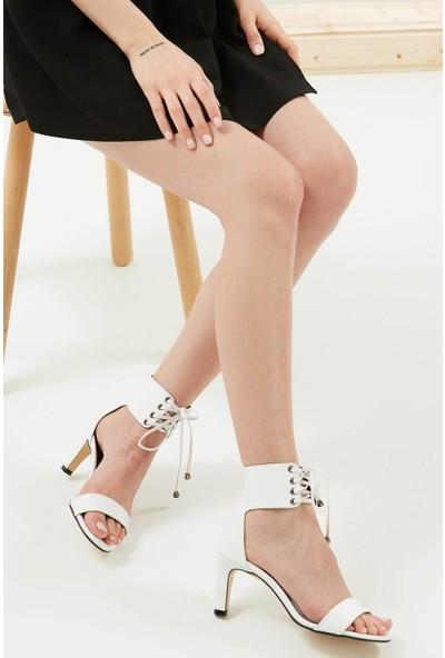 Mio Gusto Harper Beyaz Bağcıklı Topuklu Ayakkabı