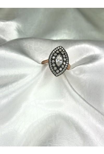 Selens Kadın Elmas Montür Gümüş Yüzük 925 Ayar