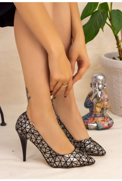 7erbilden Revaxi Platin Cilt Desenli Stiletto Ayakkabı