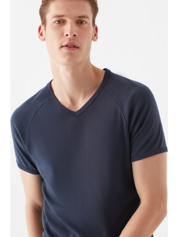 Mavi Erkek V Yaka Lacivert Basic Tişört 061313-25723