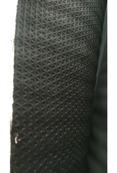 Desibel Akustik Halı Kauçuk Tabanlı Akustik Ses Yalıtım Halısı 6mm 200CM x 100CM (2 M2)