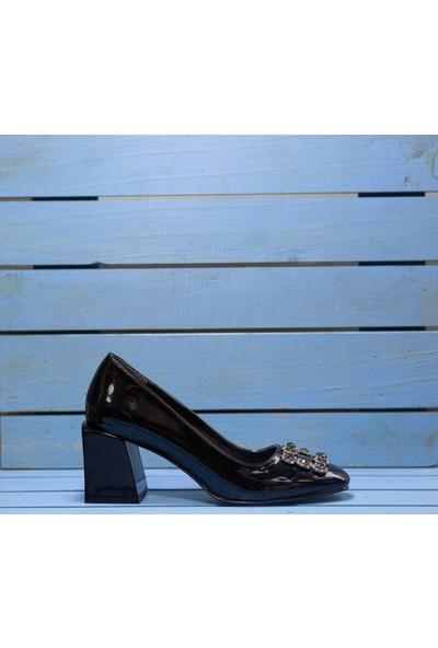 Papuç Siyah Rugan Küt Burun Taşlı Küt Topuklu Abiye Ayakkabı