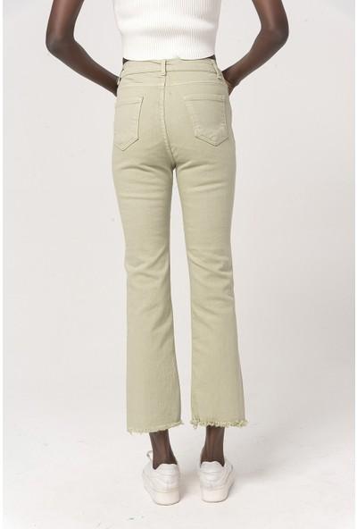 Coral Kısa Paçapamuklu Pantolon Açık Yeşil