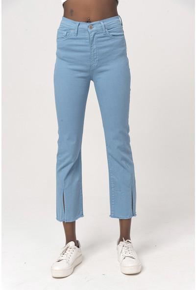 Coral Yırtmaçlı Denim Pantolon Mavi