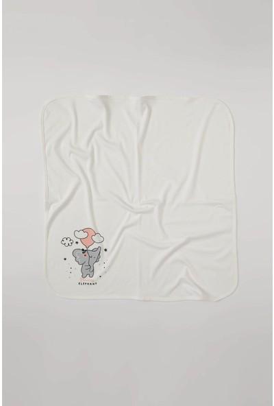 DeFacto Kız Bebek Sevimli Fil Baskılı Battaniye
