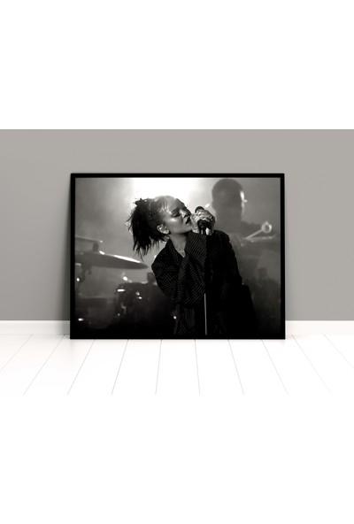 Termofom Rihanna Siyah-Beyaz Konser Posteri - Riri Afişleri (50X70)