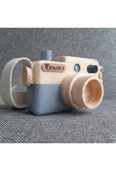 Ormanca Ahşap Fotoğraf Makinesi