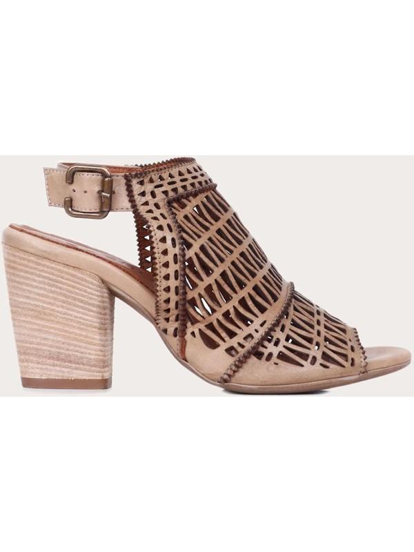 Bueno Shoes Vizon Deri Kadın Topuklu Sandalet