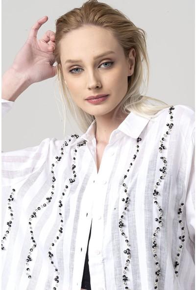 Coral Sıra Taşlı Gömlek Beyaz
